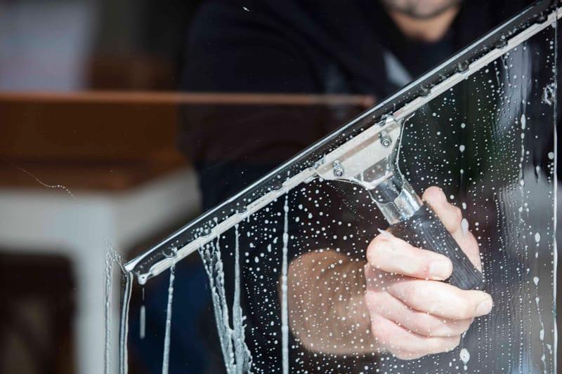 importancia de la limpieza de cristales