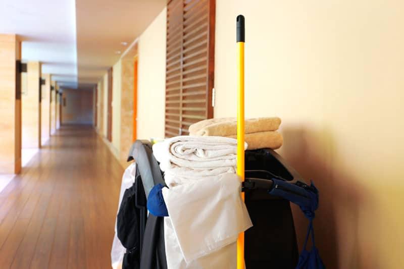 limpieza de las áreas públicas de los hoteles
